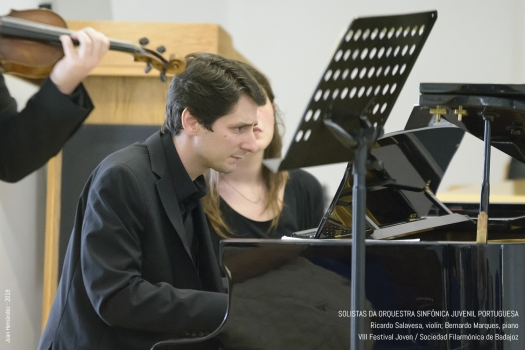 <h5>Solistas da Orquesta Sinfonica Juvenil de Portugal </h5><p>Escriba su descripcion</p>